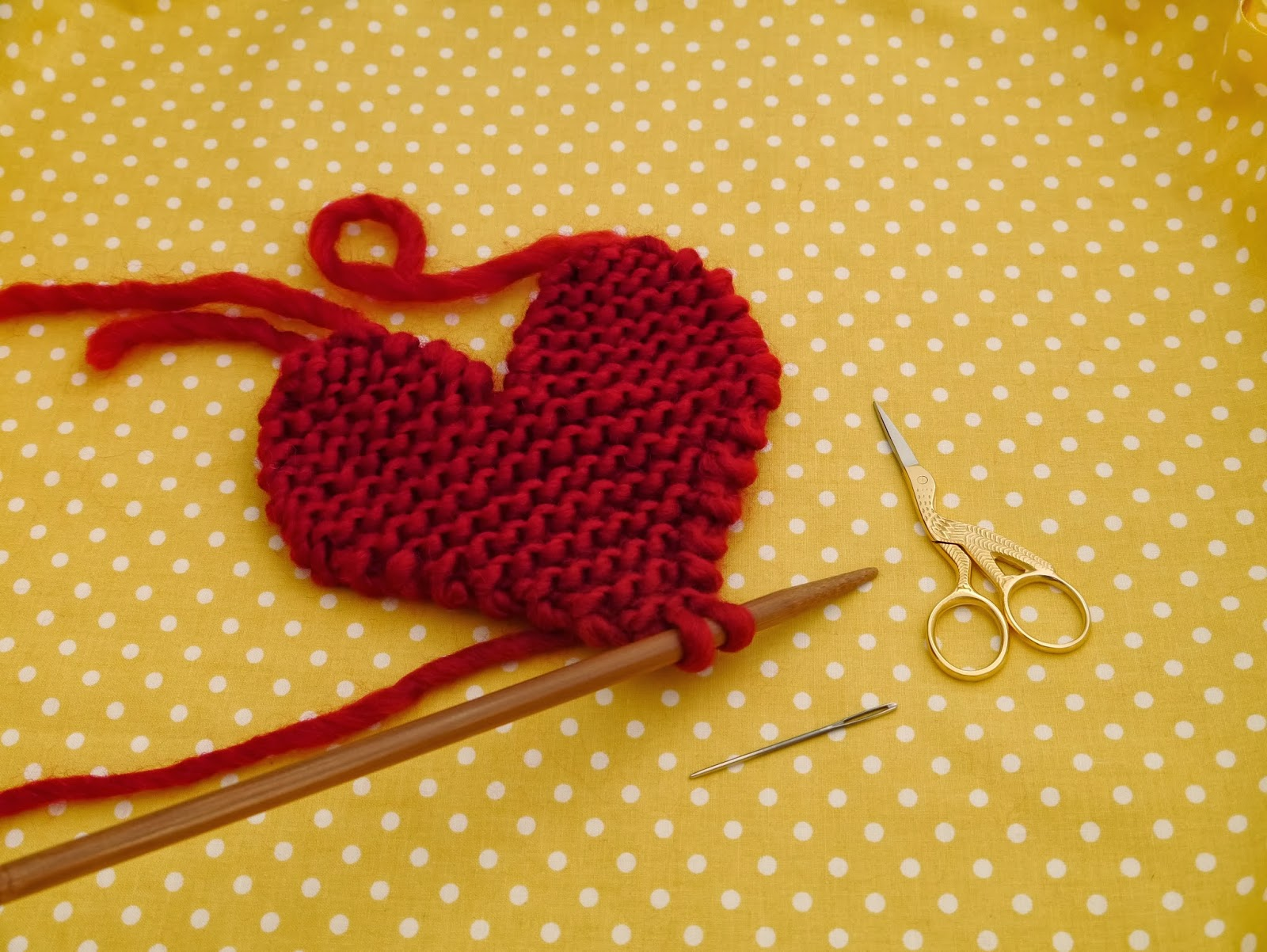 Knitting Heart Pattern : Free pattern knitted heart julie the knits