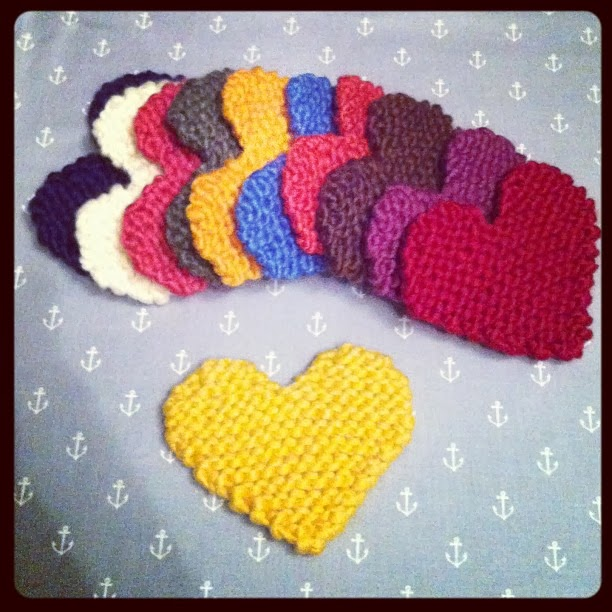 Big Heart Knitting Pattern : Free Pattern: Knitted Heart Julie & The Knits