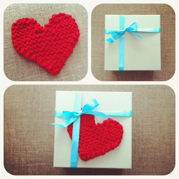 Knitted Heart Pattern For Beginners : Free Pattern: Knitted Heart Julie & The Knits