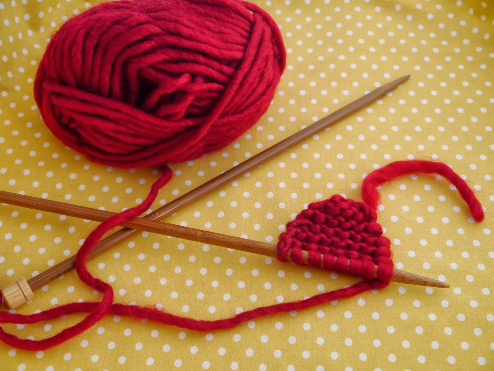 Knitting Hearts Together : Free pattern knitted heart julie the knits