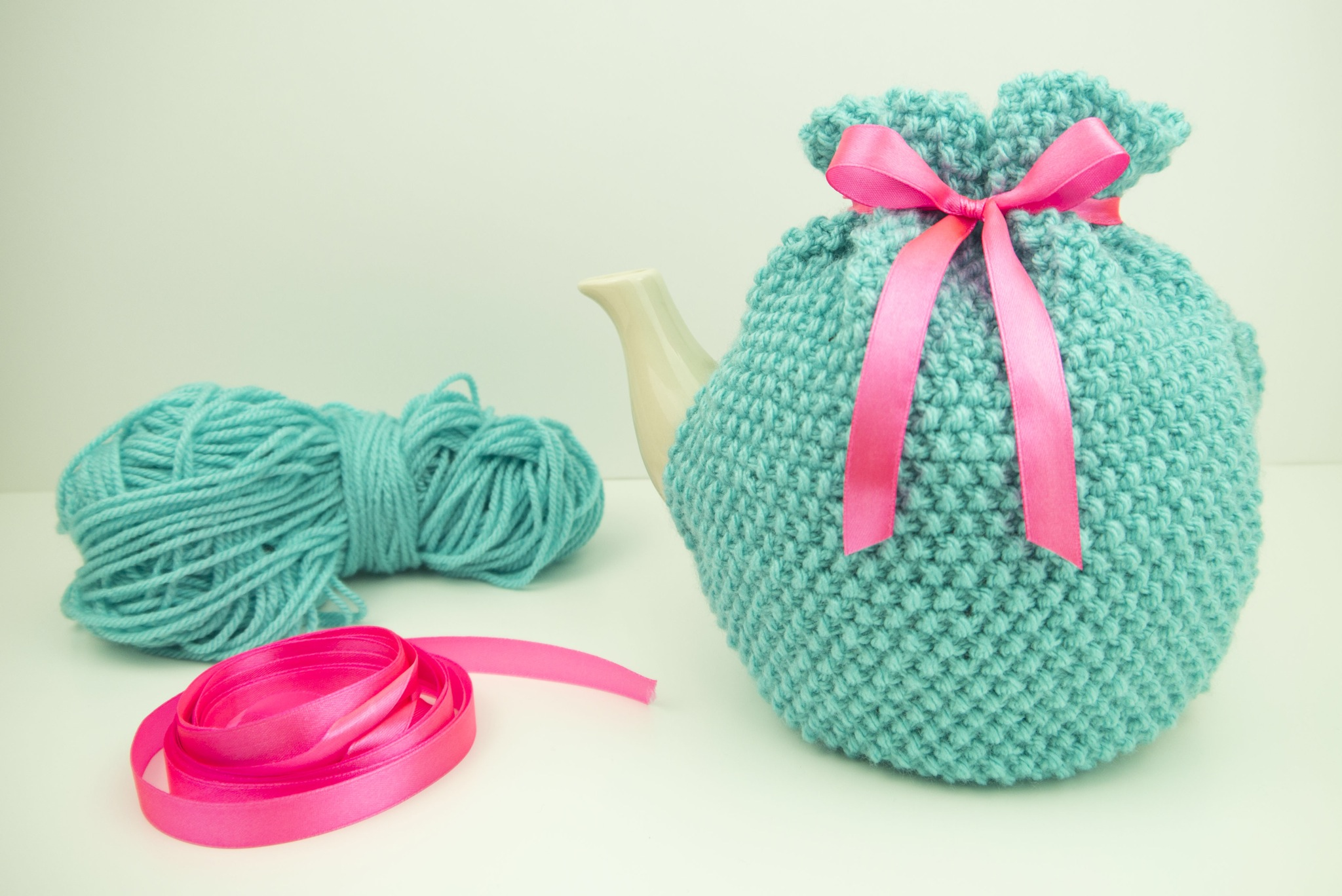 My Tea Cosy Knitting Pattern in Mollie Makes 45!   Julie & The Knits