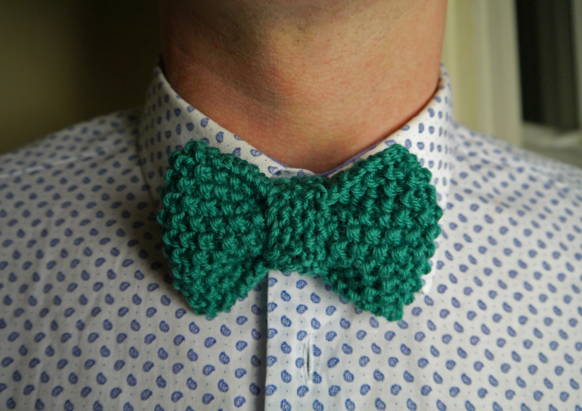 Bow Tie Knitting Pattern : Knit a Dapper Bow Tie   Julie & The Knits